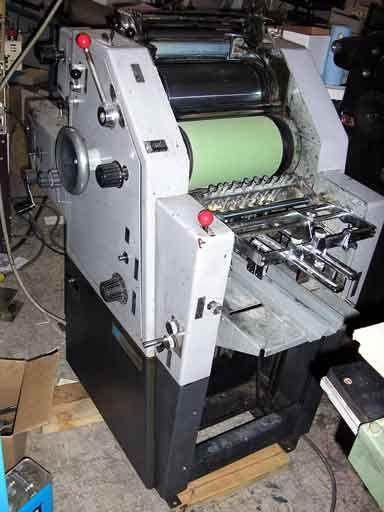 "Itek 960, 1 color Offset machine 11"" X 17"""