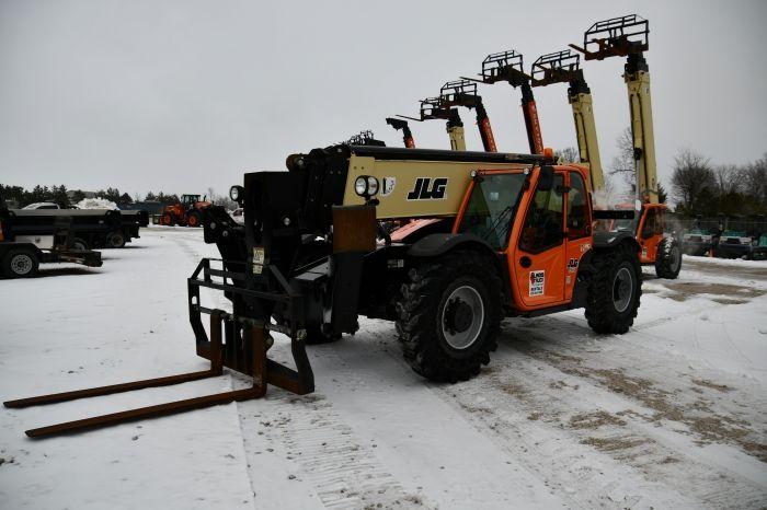 JLG 1055 33,100 lbs
