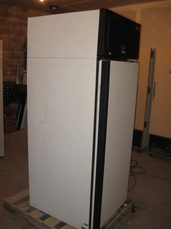 Puffer Hubbard IUF3023AUB freezer