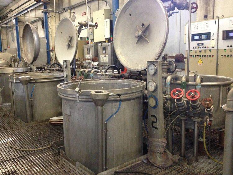 2 Pozzi Pozzi cone dyeing machines