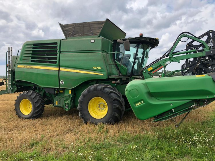 John Deere Harvesting