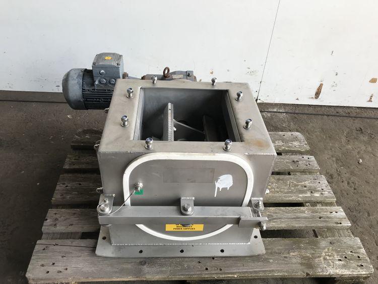 Kemutec Gardner M303 C Kibbler lump breaker