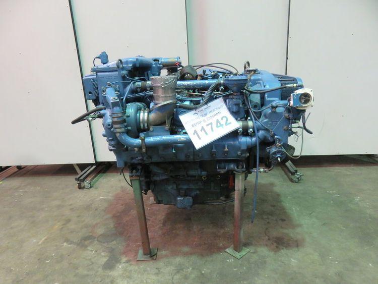 Mercedes 8V183 AA93 / OM 442 LA Marine diesel engine