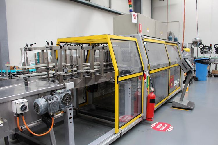 SMI LSK 30 Shrink Wrap Machine and Heat Tunnel 2 x 4 packs or 2 x 6 packs at 360/min
