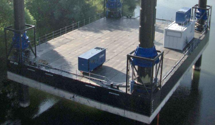 250 ton Jackup Barge