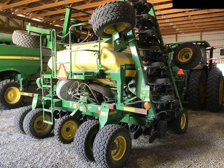John Deere 1990 Air Drills and Seeders