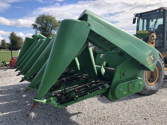 John Deere 693 Corn and Row Crop headers