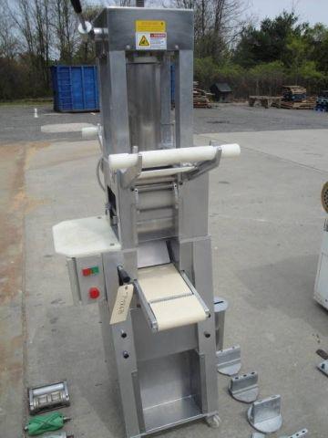 Toresani RR-160 TWO UP RAVIOLI MACHINE WITH ASSORTED DIES