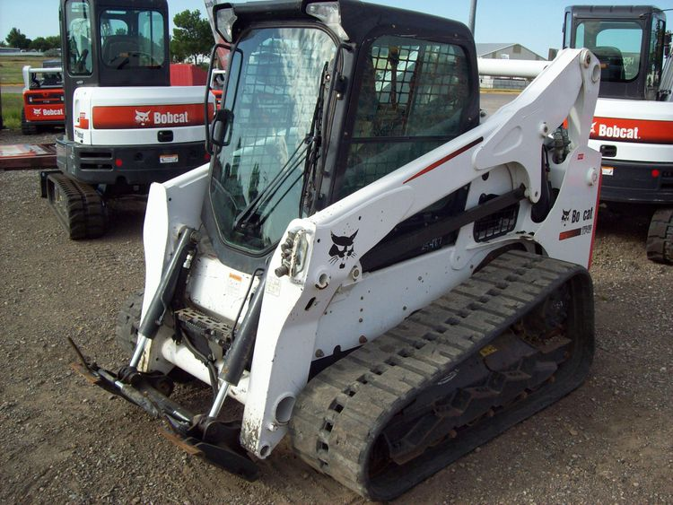 Bobcat t740 Skid Steer Loader