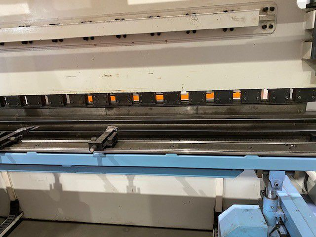 Ermak CNCAP 13ft x 330Tons Hydraulic Press Brake 330 Ton