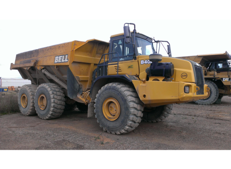 """(X3) ARTICULATED DUMPERS """"BELL"""""""