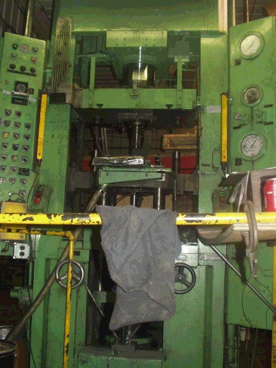 Alpha Press 250 Ton Alpha Powdered Metal Press 250 Ton 500 Ton