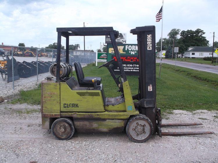Clark GCX25 Forklift 5000 pound forklift
