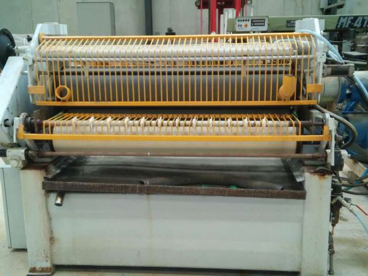 Omma Gluing machine