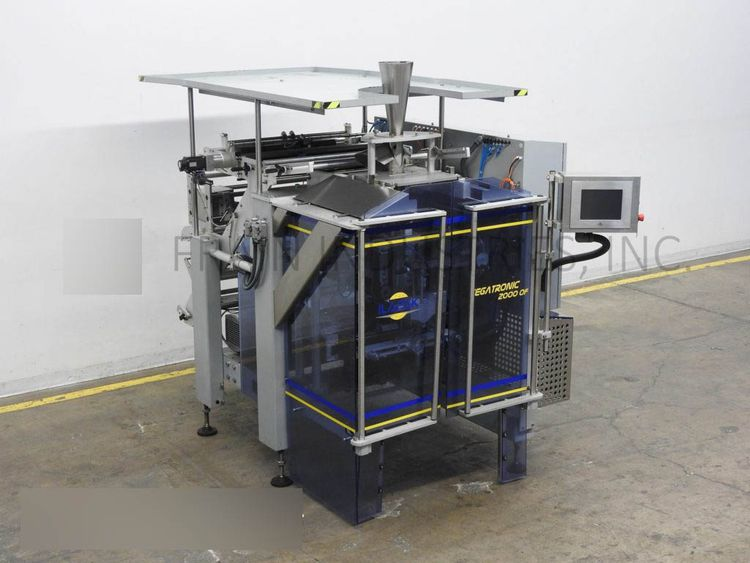 Ilapak VEGATRONIC2000 vertical form, fill and seal machine