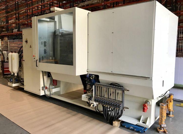Battenfeld Injection molding machine 270 T