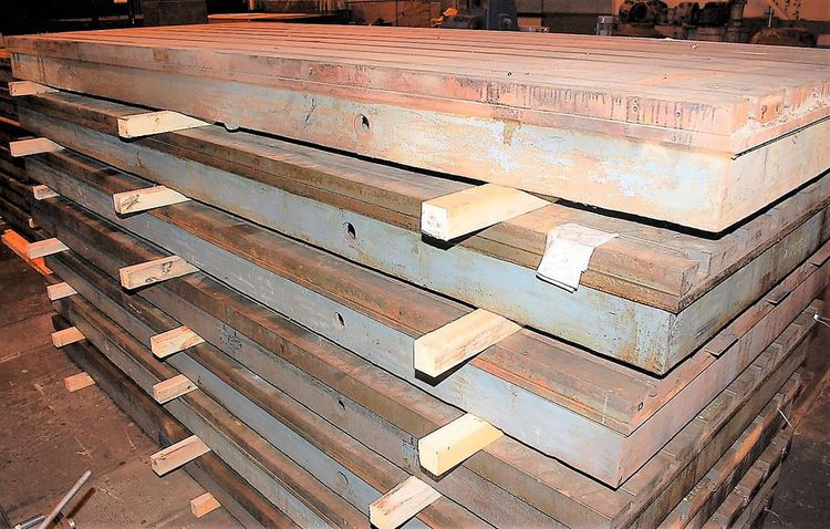 7  T-Slotted Cast Iron Floor Plate