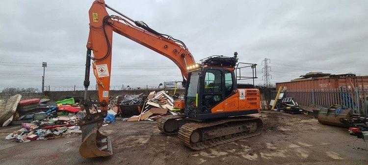 Doosan DX140LC-5 Tracked Excavator
