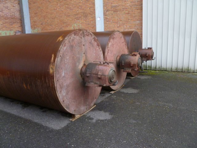 3  2800 mm Drying Cylinders