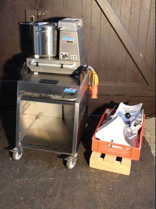 Solia M5 multi-purpose kitchen machine