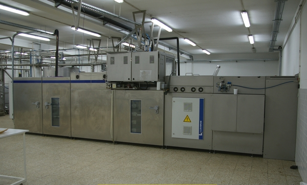 Lloveras Sima N400/1M, CHOCOLATE MOULDING LINE