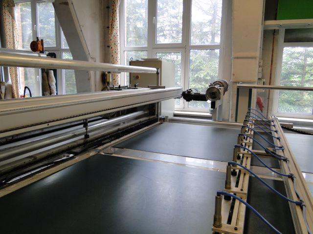 Hauser QLA Fabric cutting machine