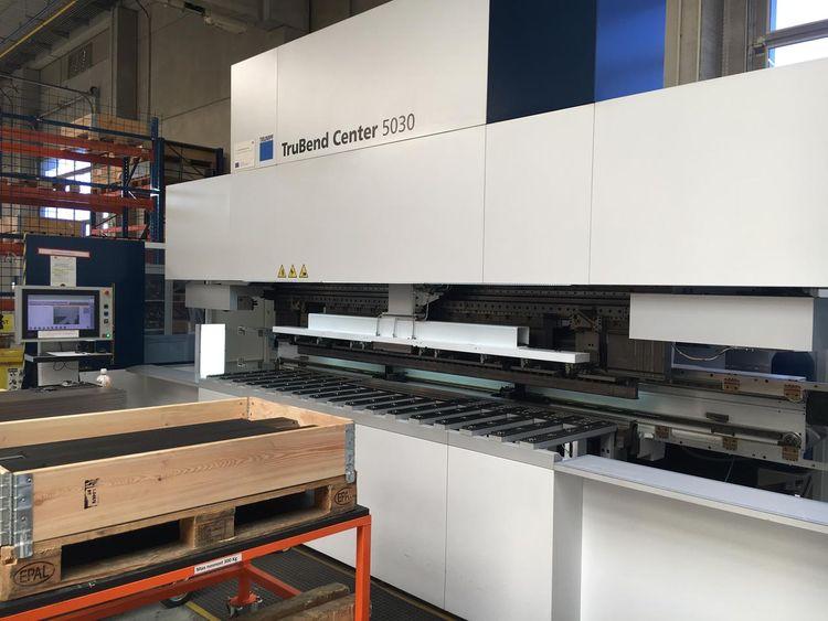 Trumpf TruBend Center 5030 Semi-automatic panel bender