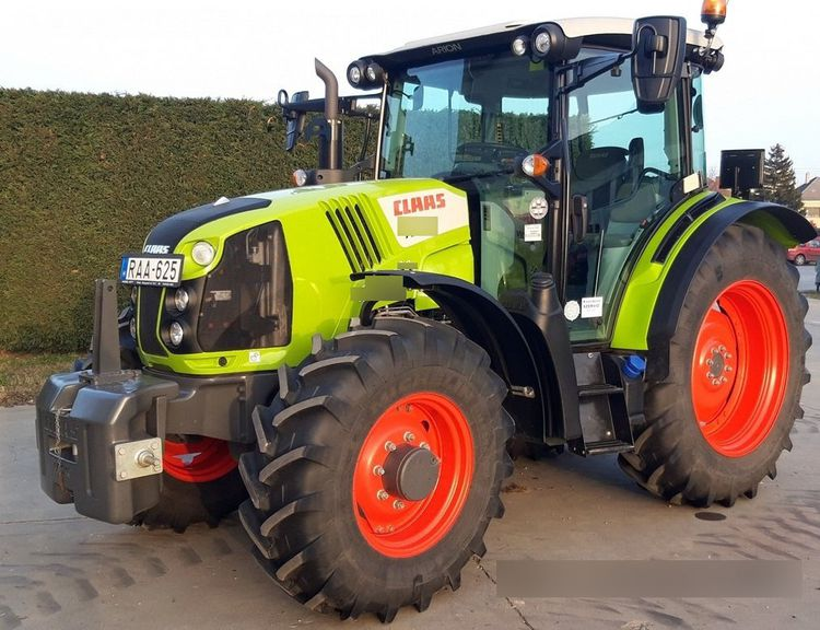 Claas Arion 420 Tractor