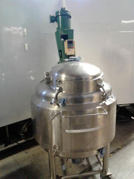 Walker tank with Lightnin Mixer