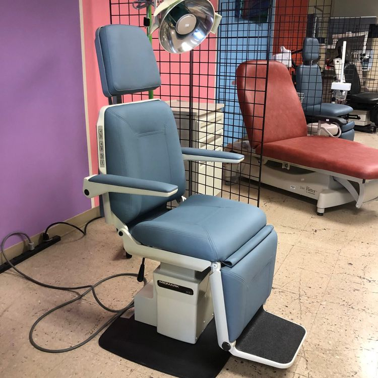Midmark Ritter 491 procedure chair