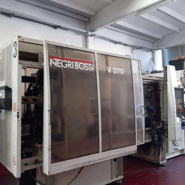 Negri Bossi Injection molding machine 370 T