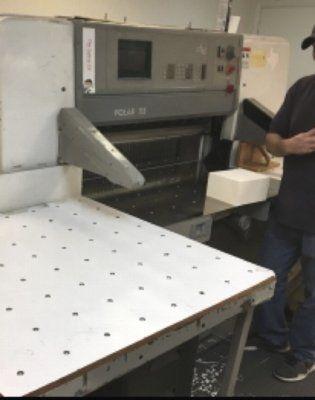 Polar 115E, Paper cutter