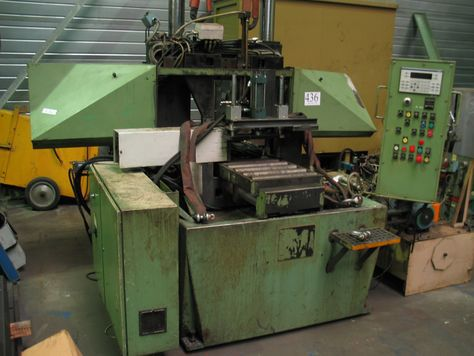 Missler DEB 420-N Horizontal band saw with automatic feed Semi Auto