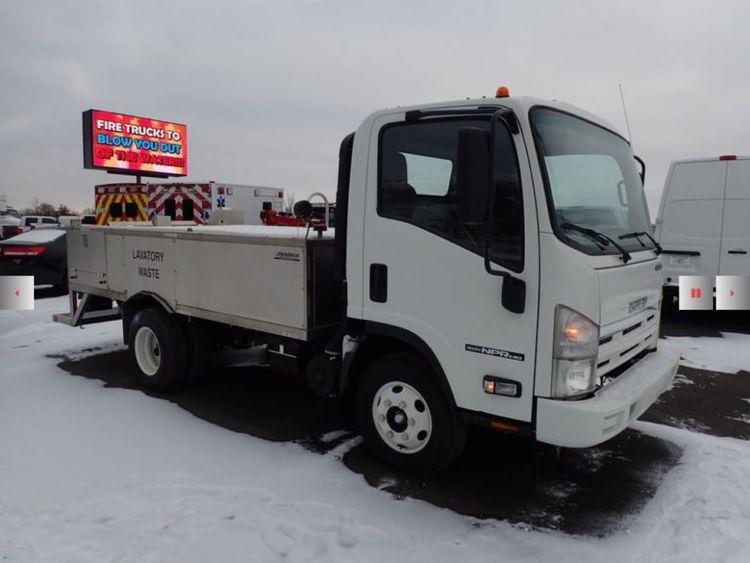 Isuzu TLS 600, NPR Phoenix Lavatory Truck
