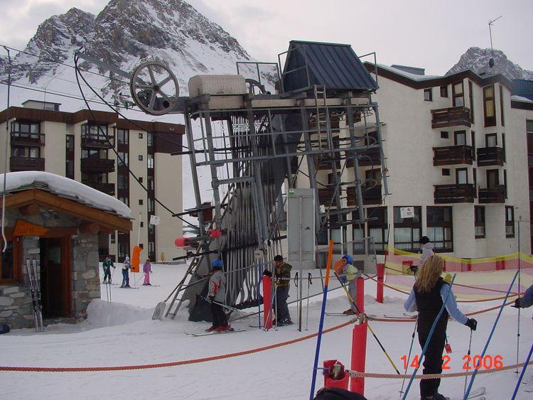 detachable grip ski lift