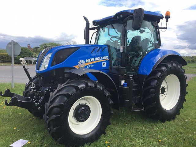 New Holland T7-210