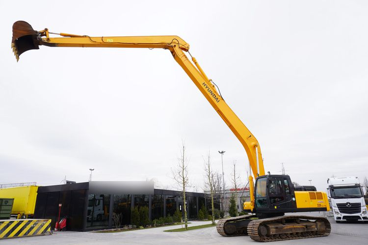 Hyundai ROBEX 320LC-7A Tracked Excavator