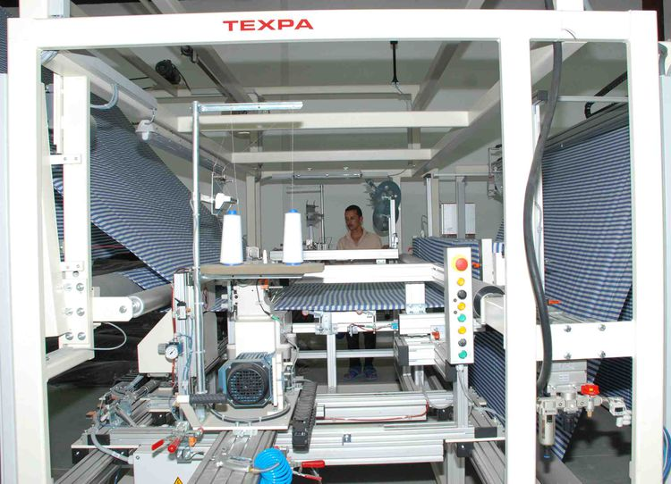 Texpa 204-L-N-B, Hemming automatic machine