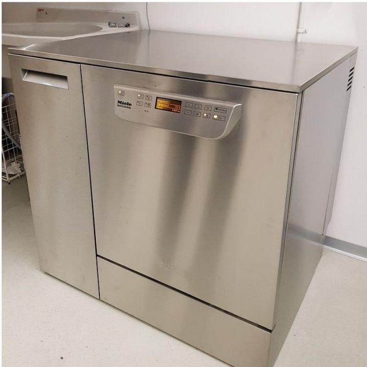 Miele PG 8583 CD laboratory dishwasher
