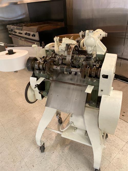 Package Machinery K  Cut & Twist Wrapper