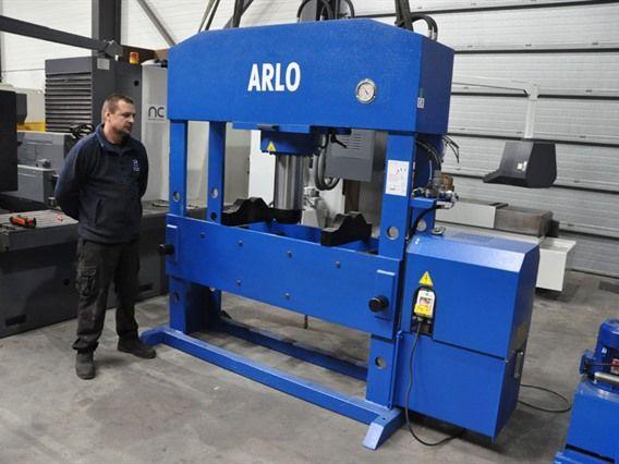 Arlo 200 ton / 1570 Vario 200 Ton