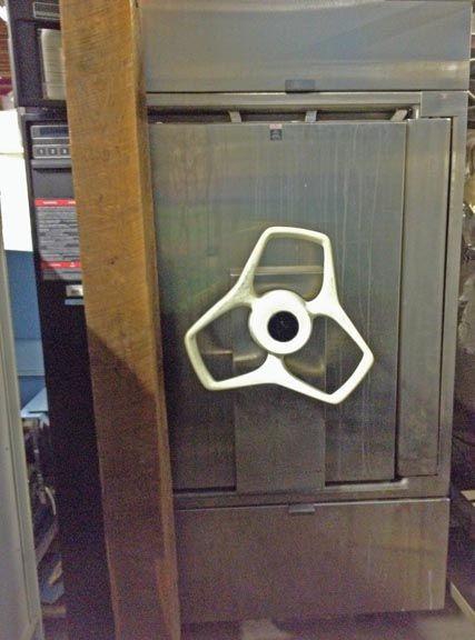 Amsco 3053, Steam sterilizer
