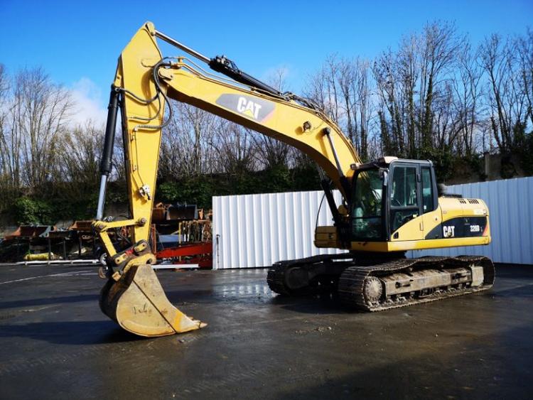Caterpillar 320D Tracked Excavator