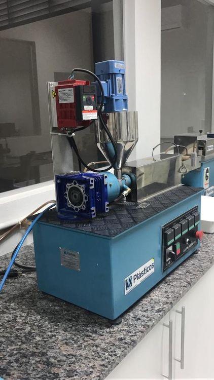 Ax Plasticos Micro Laboratory Mixer + Extruder