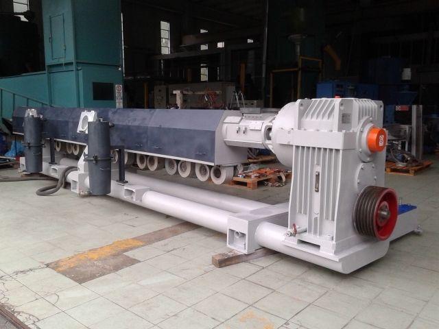 Tecnova EXTRUDER 130 mm 54 L/D double degassing system