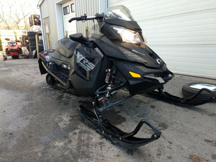 Ski-Doo BRP 800 E-TEC