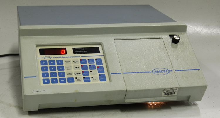 Hach DR 3000 Spectrophotometer