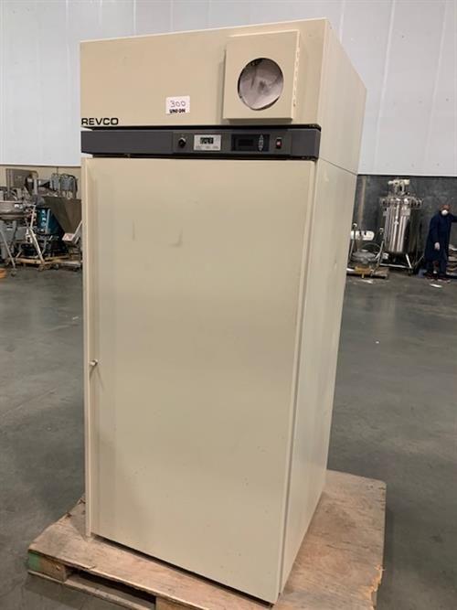 Revco REL3004A20 Refrigerator