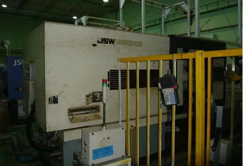 JSW Injection Molding Machine 450 T