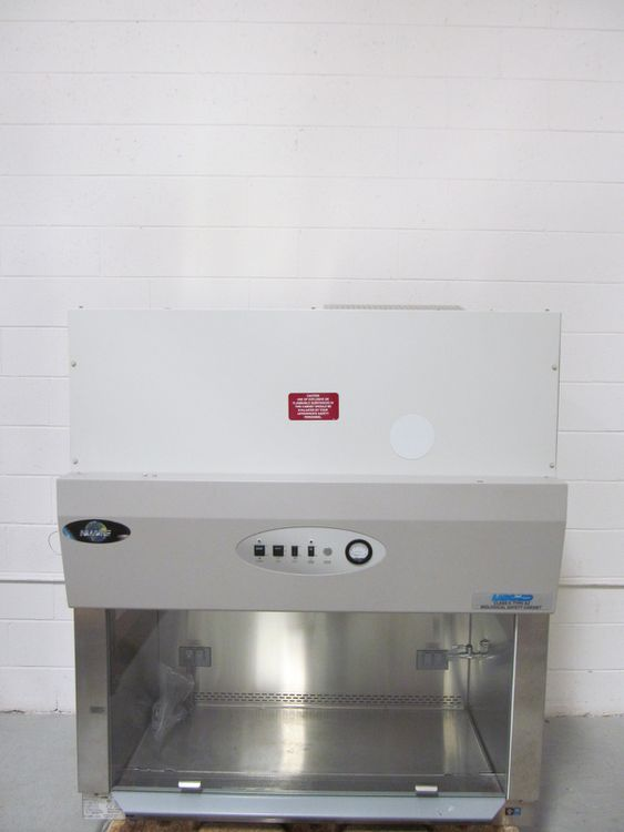 NuAire NU-425-400, 4 Foot Biosafety Cabinet